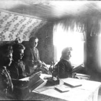 Jæren Folkehøgskule.Fire jenter på rommet sitt.
